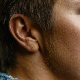 person-s-right-ear-3965524